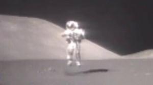 Astronaut_on_Moon