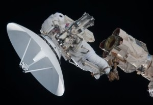 NASA_installing_dish_antenna